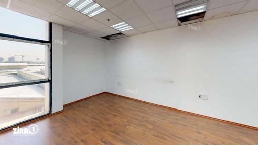 משרד בבניין טקסטיל סנטר | קומה 2 | שטח 130מ״ר  | תמונה #23 - 1