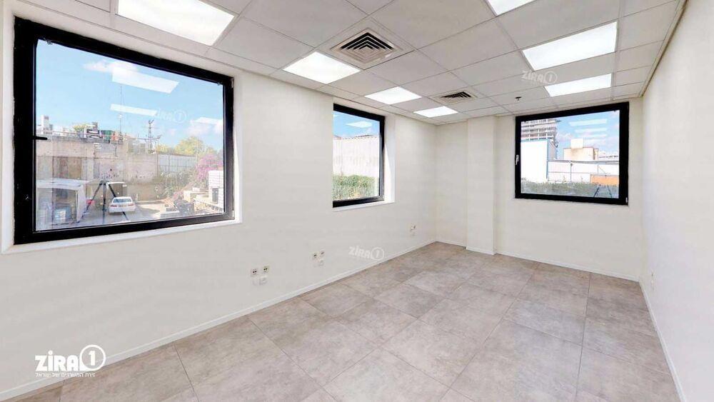 משרד בבניין בית נבטים | קומה: 2 | שטח 300 תמונה | מ׳׳ר #5 - 1