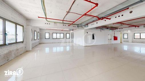 משרד בבניין בניין החרש | קומה 2 | שטח 700מ״ר  | תמונה #15 - 1