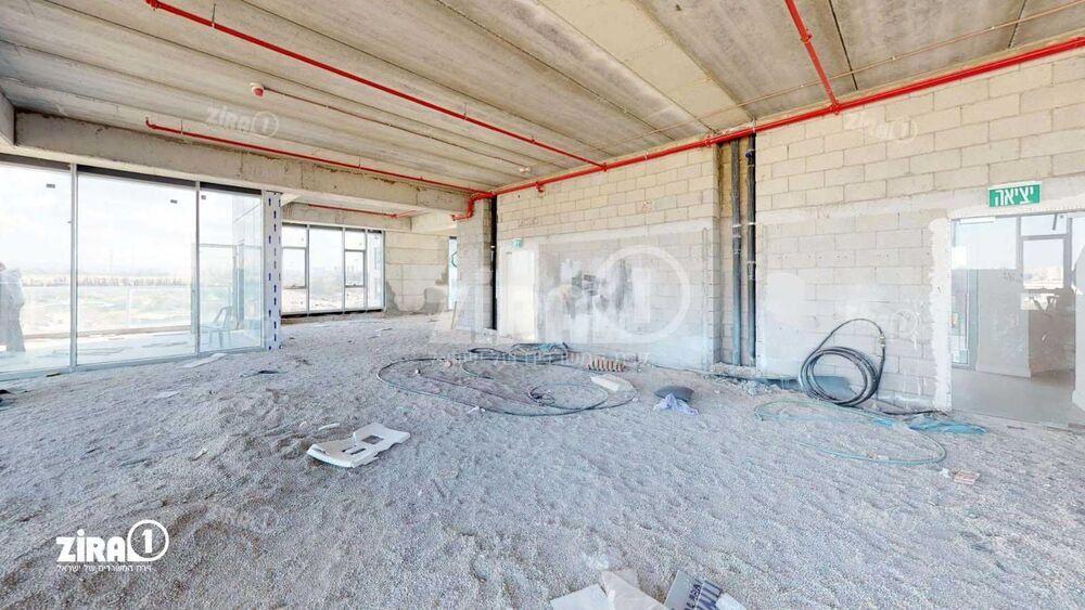 משרד בבניין שער העיר  | קומה: 2 | שטח 240 תמונה | מ׳׳ר #17 - 1