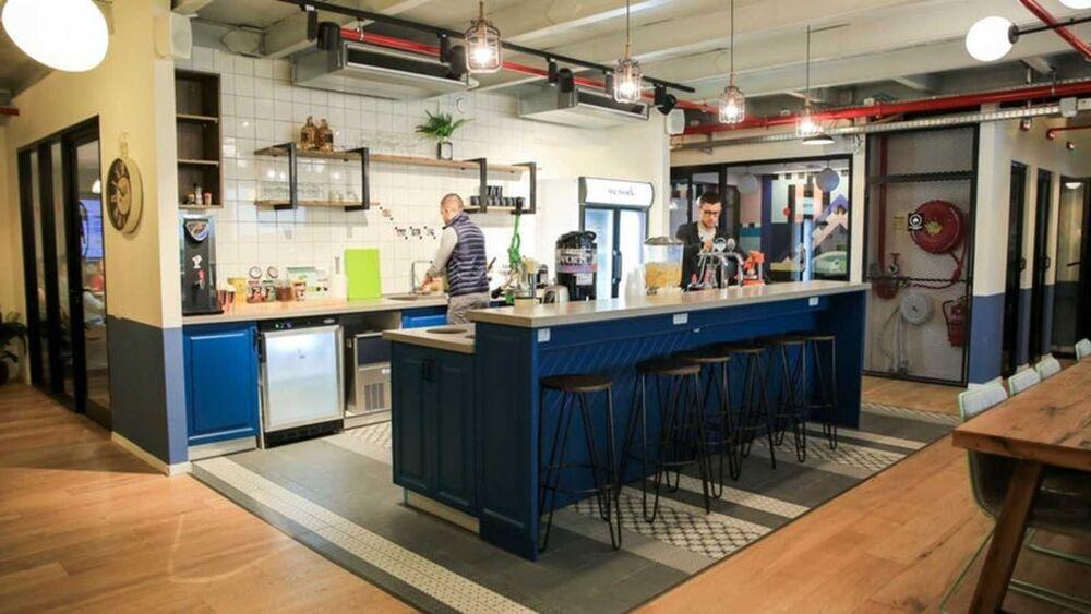 חלל עבודה: WeWork London Ministore Tel Aviv בתל אביב יפו | קומה: 3 | תמונה #8 - 1