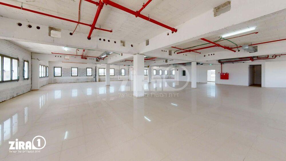 משרד בבניין בניין החרש | קומה 3 | שטח 700מ״ר  | תמונה #0 - 1