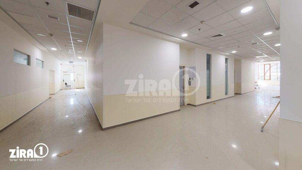 משרד בבניין בניין הדקל | קומה 0 | שטח 2400מ״ר  | תמונה #0 - 1
