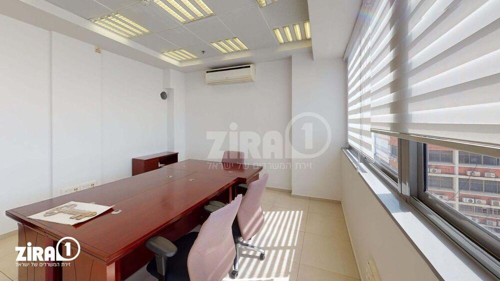 משרד בבניין בניין הסיבים  | קומה: 5 | שטח 90 תמונה | מ׳׳ר #13 - 1