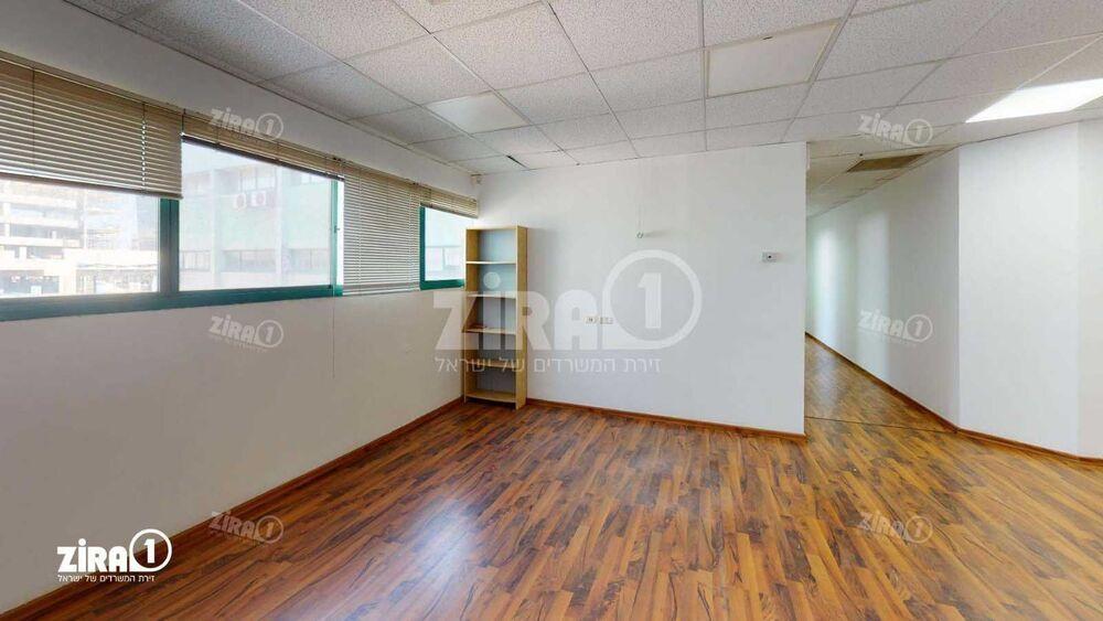 משרד בבניין בית גולד | קומה 1 | שטח 166מ״ר  | תמונה #0 - 1