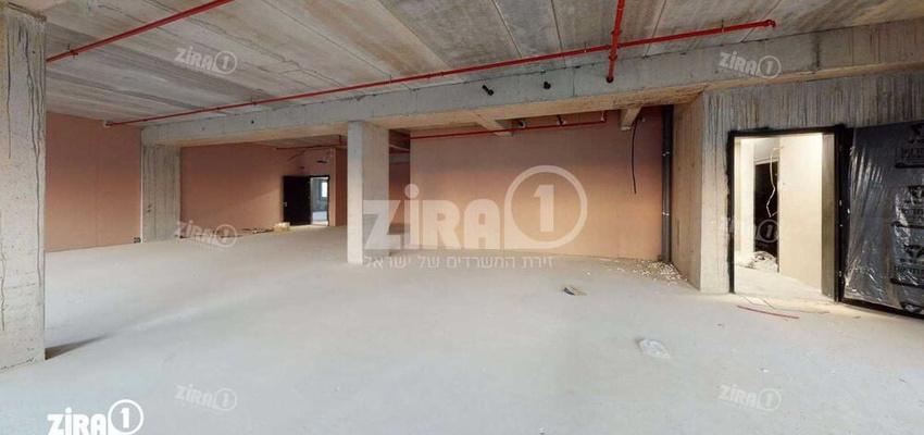 משרד בבניין בית שירה | קומה 1 | שטח 1261מ״ר  | תמונה #0 - 1