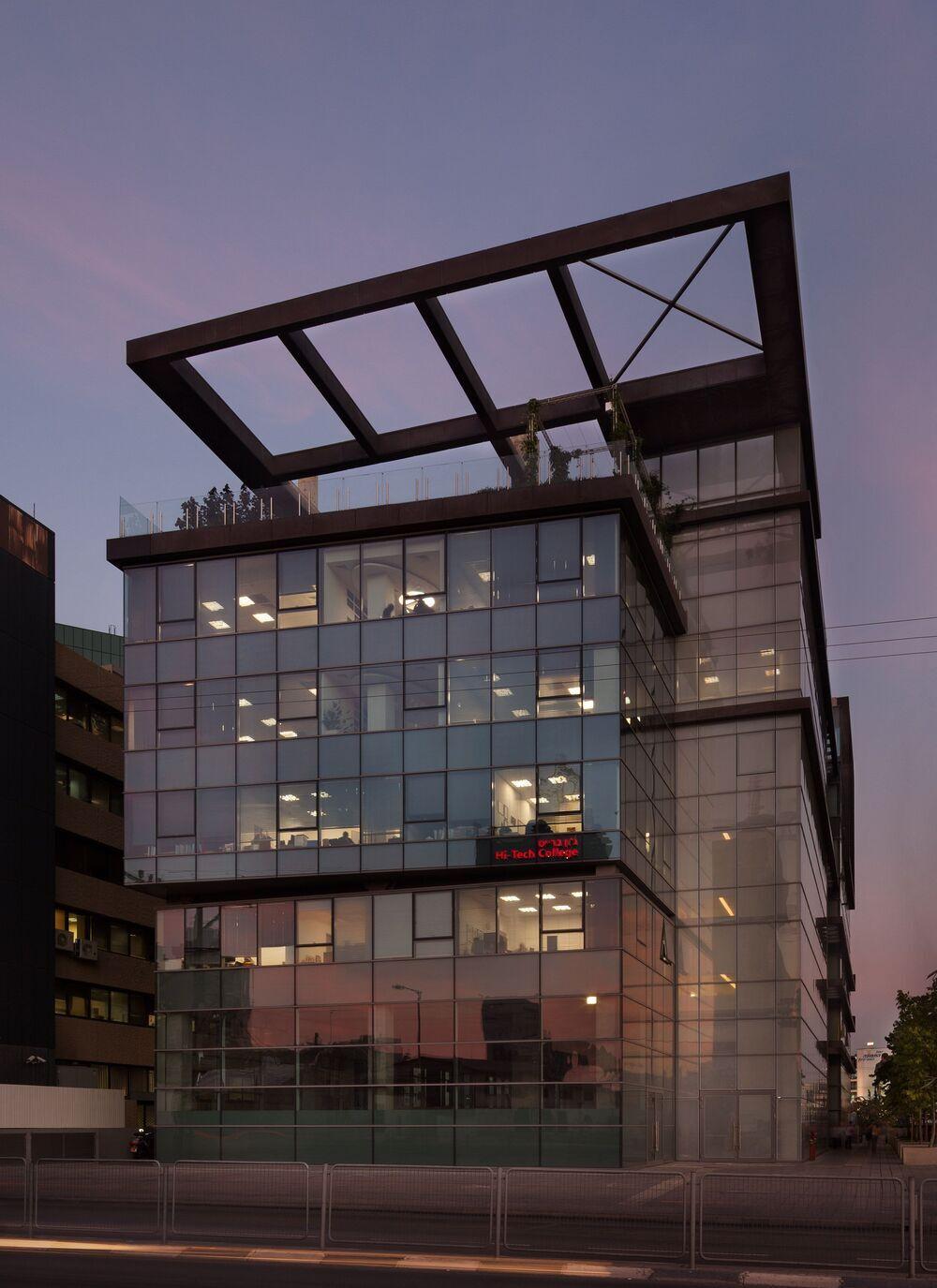 בניין ECO TOWER - אקו טאוור בתל אביב יפו | רמת הבניין classA | תמונה #0 - 1